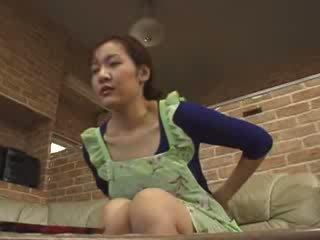 日本语 lonely 妈妈 masturbate 在 livingroom 视频