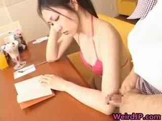 Asiatico studentessa giovanissima pupa gets facciale part3