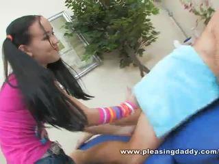เซ็กซี่ หนุ่ม masseuse amai liu gives a แก่แล้ว ควย a ยินดี ending