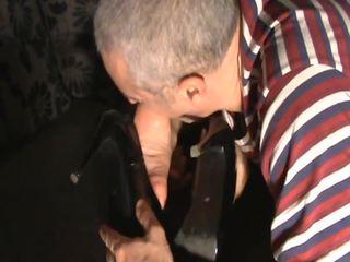 Licking sniffing no pēdas, bezmaksas pēdas sniffing porno video 09