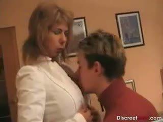 Vroče nemke mama teaches fant
