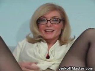 Сексуальна матуся nina hartley stripping