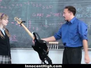 Innocenthigh- pievilcīgas rūdmataina fucks viņai skolotāja <span class=duration>- 12 min</span>