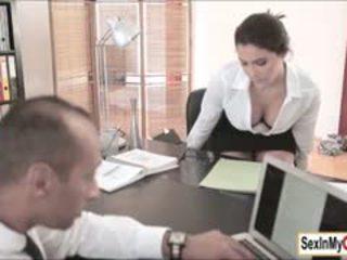 不错 黑妞 在线, 有趣 大胸部 实, 实 口交 有趣