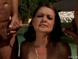 pissing, đi tiểu, thể thao dưới nước