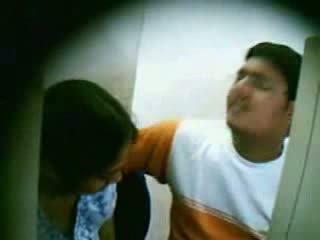 Spycam catches חובבן צעיר הידי זוג מזיין וידאו