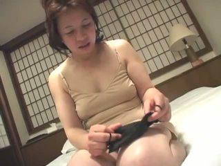 Porner premium: uzbudinātas pieauguša japānieši skaistule masturbācija par camera