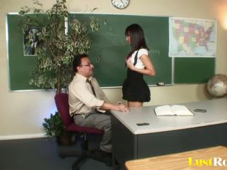 Professor gets seduced and pleasured by nadia aria: porno e5