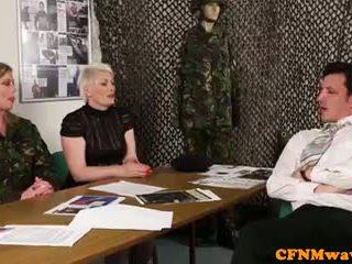 Femdom armee milf holly kiss tugs rekrut