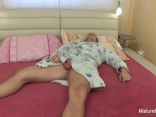 Sunkus senelė analinis šūdas
