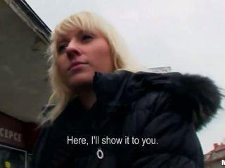 Euro blondine convinced naar neuken voor cash