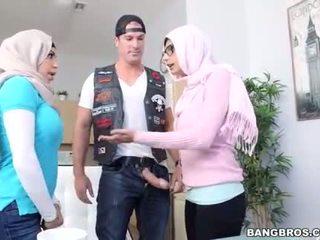 Julianna vega en stap dochter mia khalifa