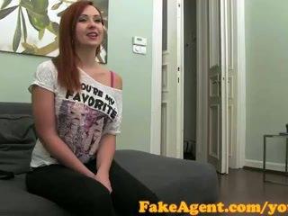 Fakeagent クリームパイ のために 赤 頭 セックス kitten