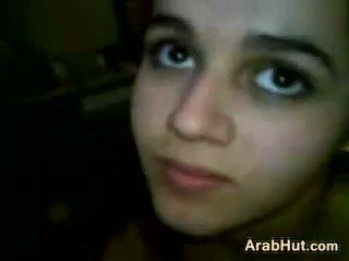 Arab tiener meisje zuigen haar boyfriends lul