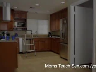 Mamusie uczyć seks - jej boyfriend jizzed na jej krok mamusie cycki