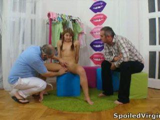 Spoiled virgins: російська дівчина has її молодий virgin манда checked.