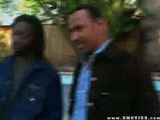 Groot ebony brothers neuken en destroying deze gemeen vies teef