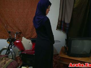 Amatir habiba mengisap kontol kemudian gets plowed: gratis porno e2