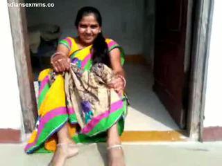 Desi aunty μουνί σόου και bj μέρος 1 όλα