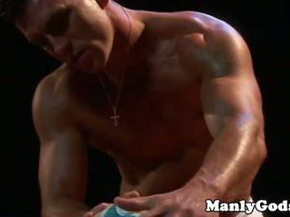 Closeup homofil rimming med muscular par