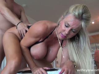 Wifey swallows een strangers sperma