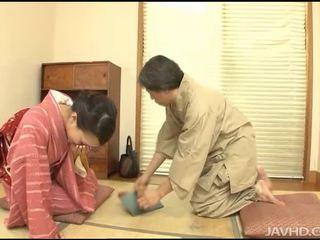 Asiatic gal este sperma covered