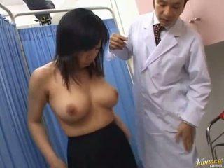 Азиатки уличница sucks rod