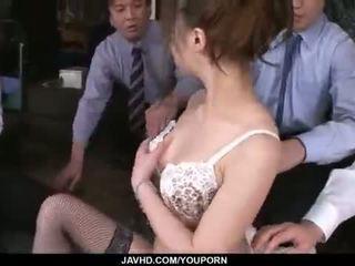 Aiko hirose gets πατήσαμε με όλα αυτήν γραφείο colleagues