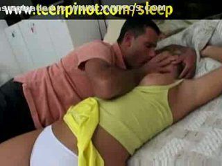 شقراء فتاة مارس الجنس في حين نائم في ل الفندق غرفة
