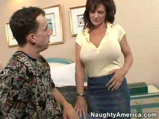 Deauxma gets ji rit zajebal s a mlada žrebec