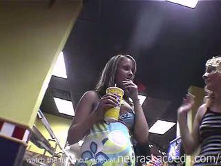 Being stupid ו - עירום ב מהר אוכל מקום ממשי בית וידאו