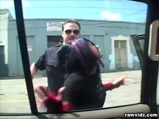 Katrina kraven betrapt door geil agent