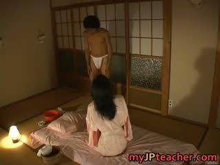 Chaud japonais prof enjoys baise part4