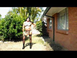 crossdresser, lingerie, buiten-