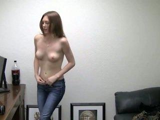 Alicia takes her türsüjek off. she needs pul