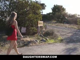 Daughterswap - fierbinte mic blonda prins webcamming de bffs tata pt.2