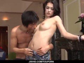 Απίστευτο maria ozawa receives two cocks μέσα αυτήν