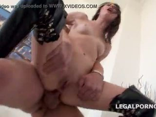 Used & misbruikt. timea bela manhandled door 4 boys met tap. atm/dap/anal/submission/squirting - geen