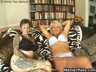 Tattooed lesbiete vecmāmiņa fucked, bezmaksas pieauguša porno video b0