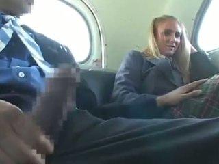 Dandy 171 금발의 학생 옷을 입은 여성의 벌거 벗은 남성 재미 에 버스 1