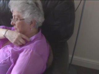 Carolinev1-1 mp4: חופשי סבתא פורנו וידאו 4a