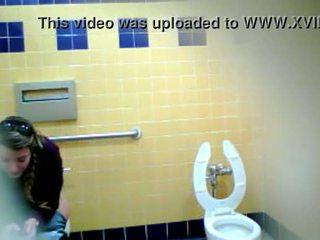 spanish, pee, toilet