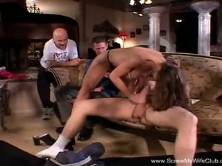 Lang intense anaal trio voor swinger milf