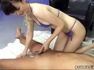 Ai himeno loves bite allumeuse et groupe masturbation