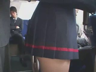 Jaapani käperdatud buss bukkake