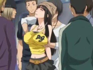 Busty anime pohlaví otrok gets vsuvky pinched v veřejné