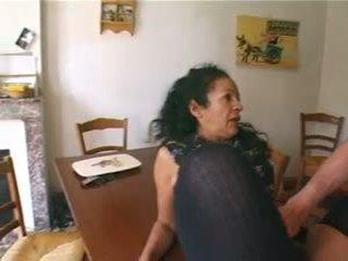 Lj95 maria femme de menage portugaise poilue enculee