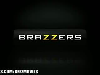 Brazzers - Bella Reese - I Wnat Them Bigger!
