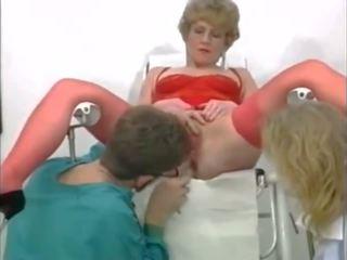 Eccentrico trio a il gyneco, gratis fisting porno video 95