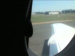 Sarah twain e yasmine sexo a quatro diversão em um plane